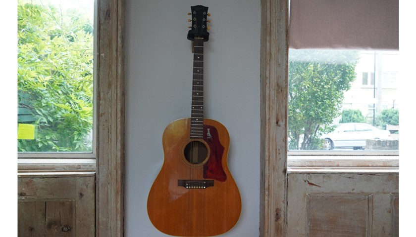 Laura Marling's 1968 J-50 Gibson Guitar