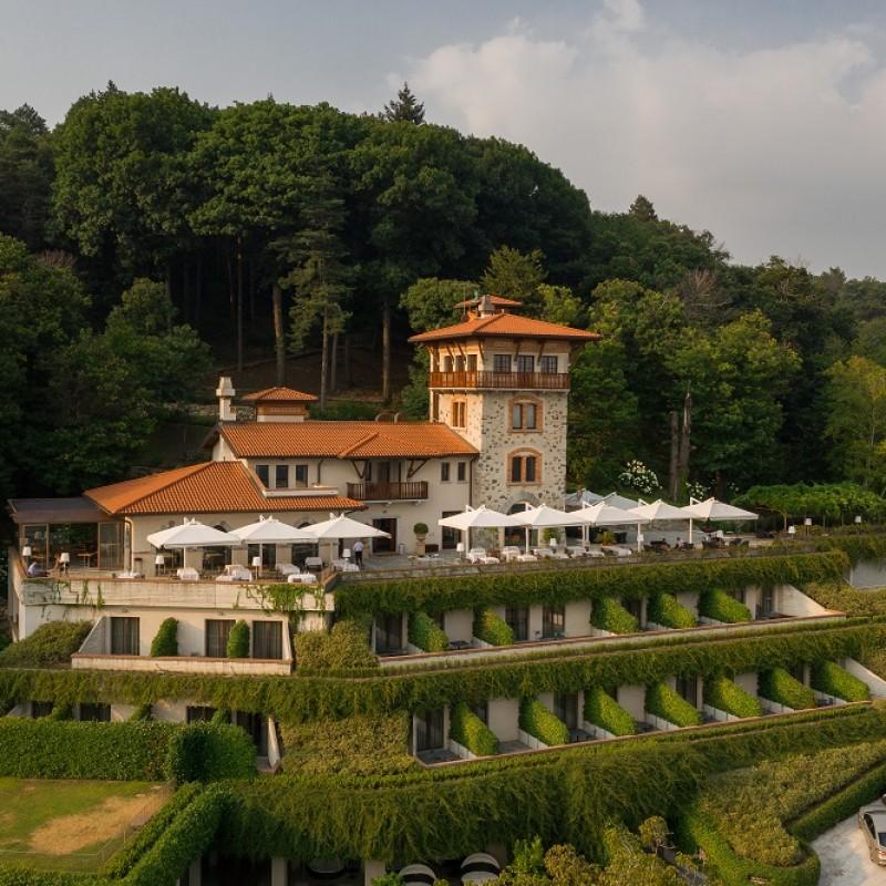 One-Night Stay for Two at Tenuta de l'Annunziata