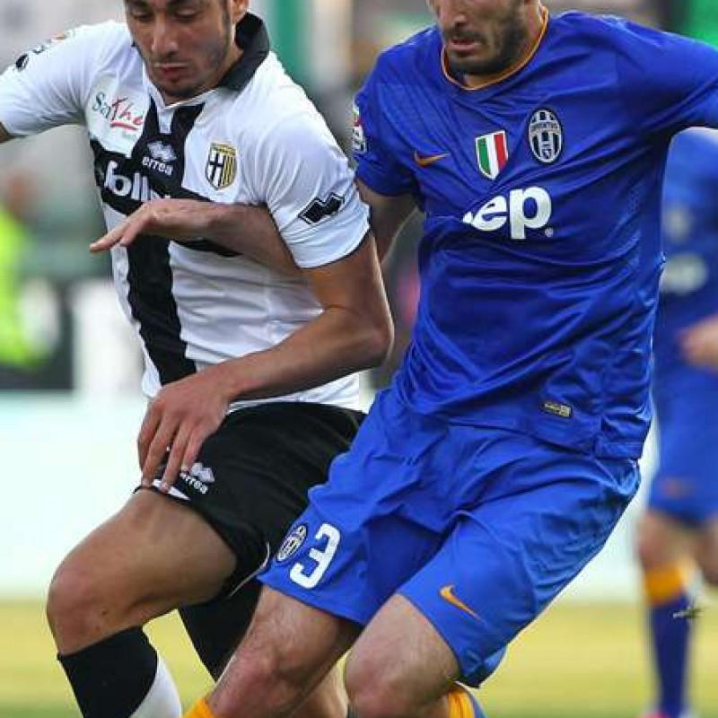 Chiellini match worn armband, Parma-Juventus Serie A 11/04/15 - signed