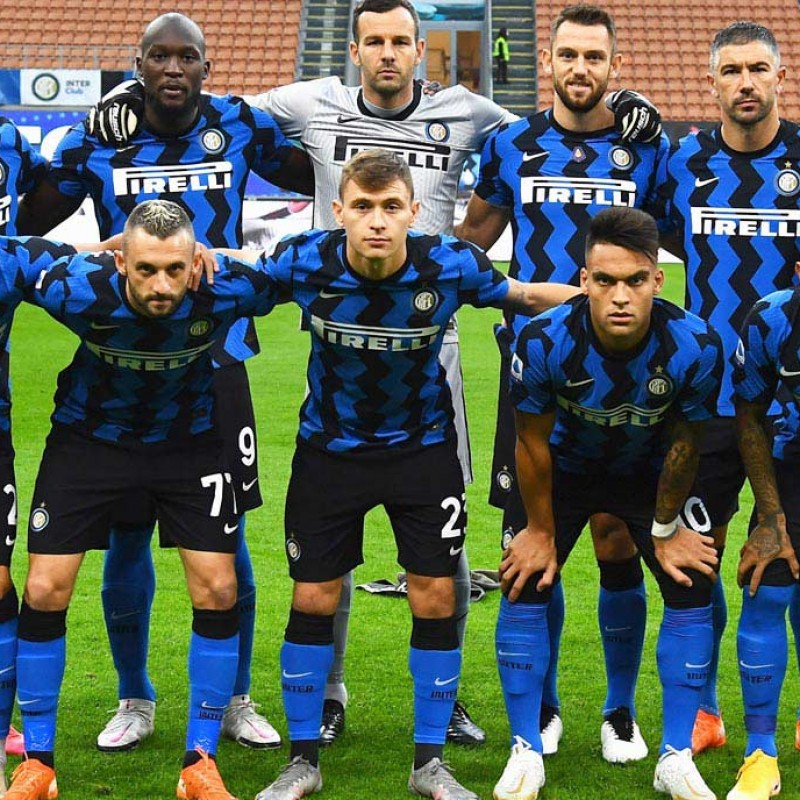 Official Inter Football, 2020/21 - Signed by the Squad