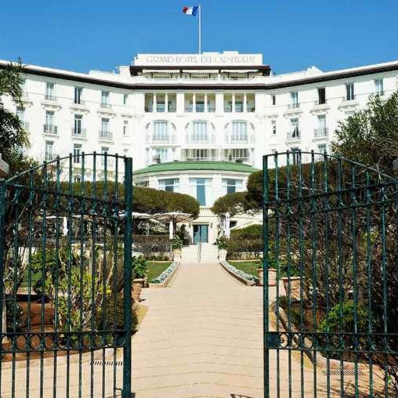 Stay at the Four Seasons Grand-Hotel du Cap-Ferrat