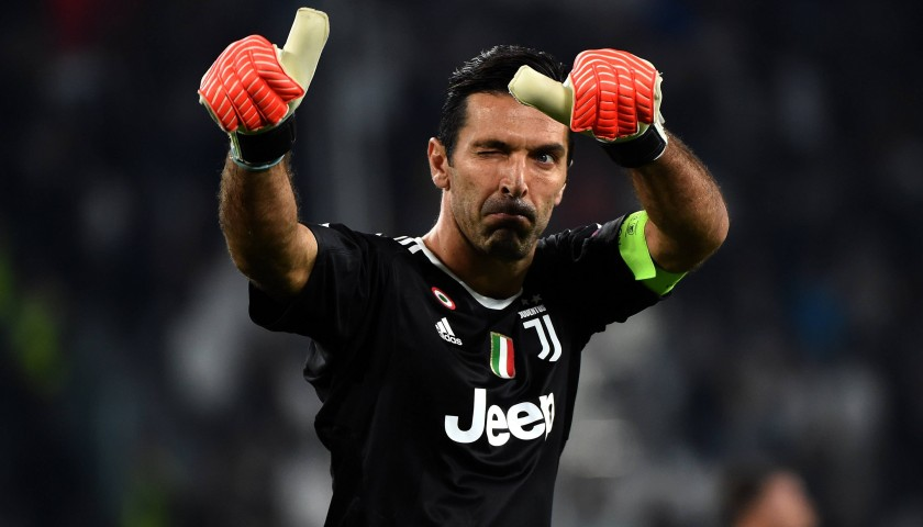 Gigi Buffon Match-Worn/Signed Gloves – Unwashed