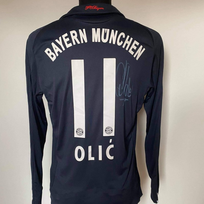 Olić's Bayern Munchen Signed Match Shirt