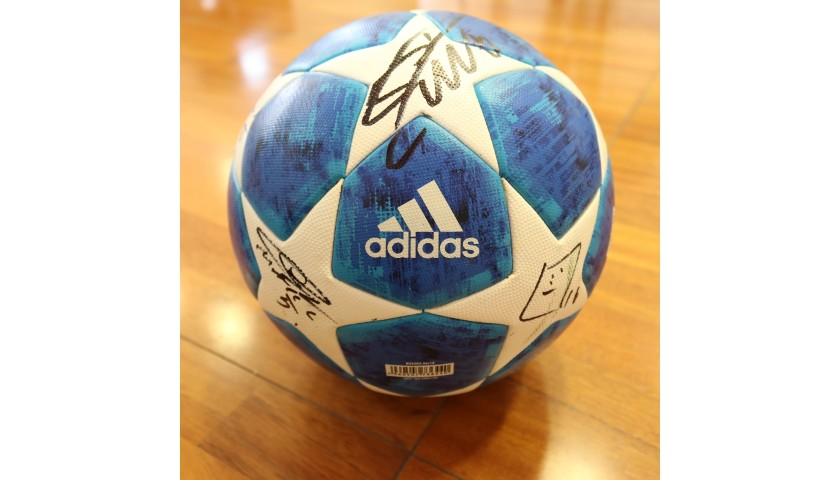 Match-Ball UCL 2018/19 - Signed by Juventus