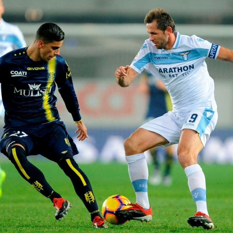 Lulic's Worn Shirt with Special UNICEF Patch, Chievo-Lazio 2018