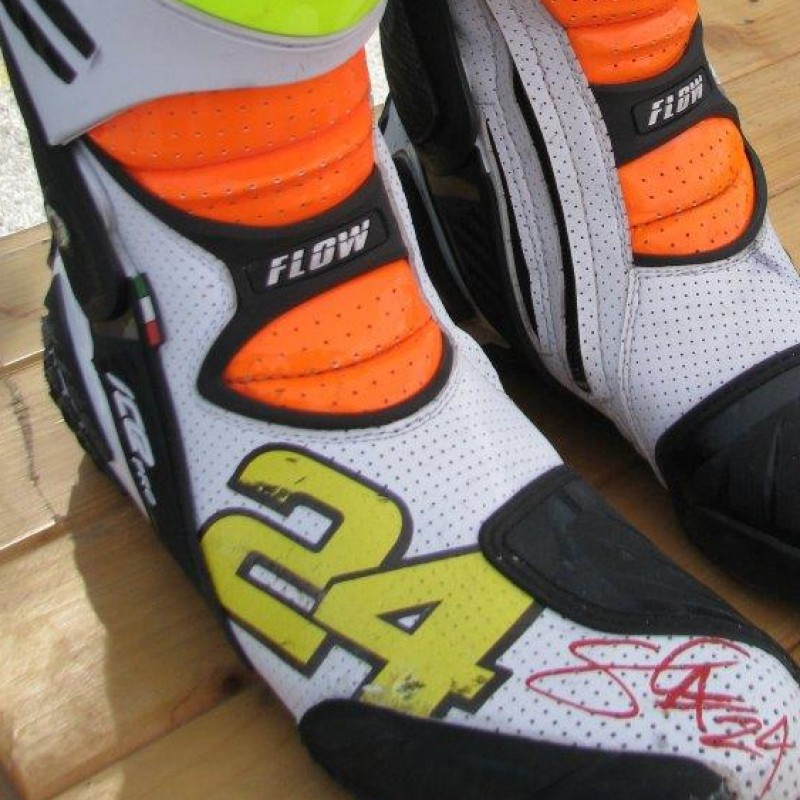 Boots worn by Moto2 pilot Simone Corsi - signed