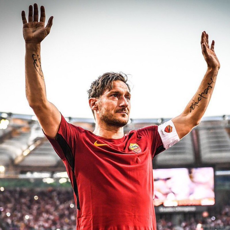 Totti's Official AS Roma Signed Shirt, 2017/18