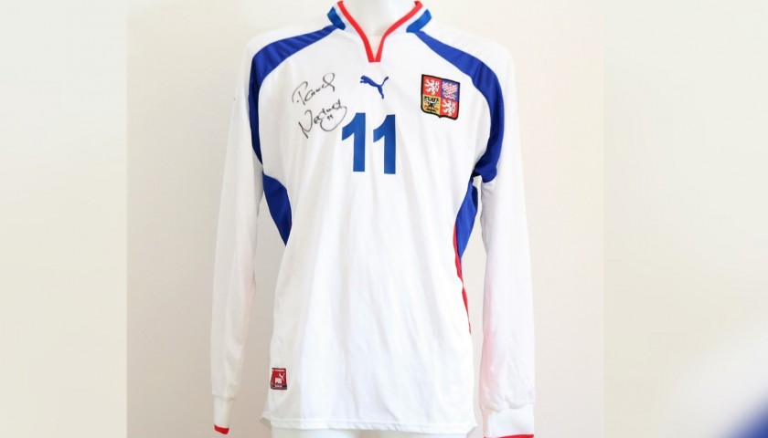 100% authentic 30321 4bbe8 Nedved's Czech Republic Match-Issue Signed Shirt, 2000 - CharityStars