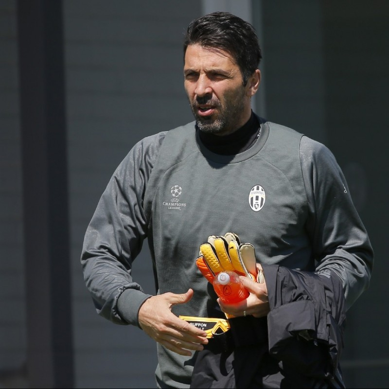 Meet the Juventus Player Gigi Buffon at Vinovo