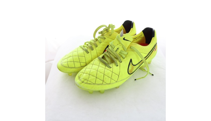 Ashley Cole's Worn Nike Boots