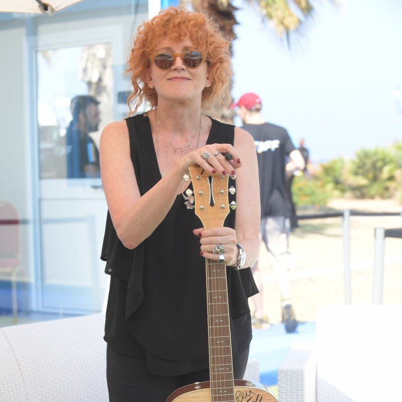 Guitar Signed by Radio Italia Live - The Concert Artists in Palermo