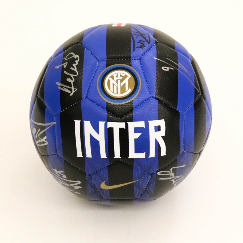 Official Inter 2018/19 Football - Signed by the Squad