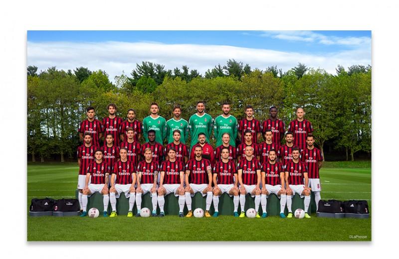 Signed 2017/18 Season Team Photo