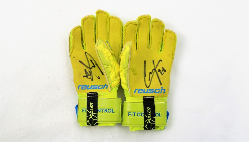 Reusch Gloves Worn and Signed by Alessio Cragno