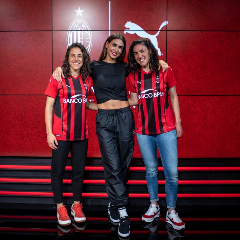 AC Milan Women's Match Shirt, 2021/22 - Signed by Fusetti, Boquete and Melissa Satta