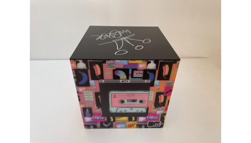 Guè Pequeno Signed MTV Box