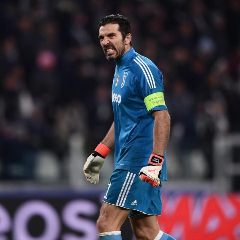 Signed Official Buffon 2017/18 Juventus Shirt