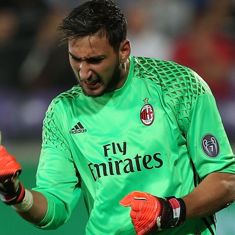 Donnarumma's Match-Issued/Worn 2016/17 Milan Shirt