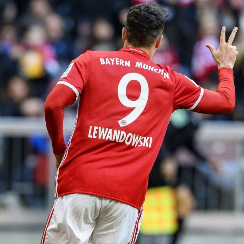 new arrival 766fc 07c67 Signed Robert Lewandowski Bayern Munich Shirt