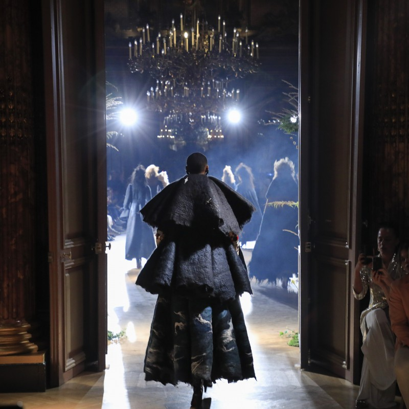 Attend the Viktor & Rolf Haute Couture Show in Paris