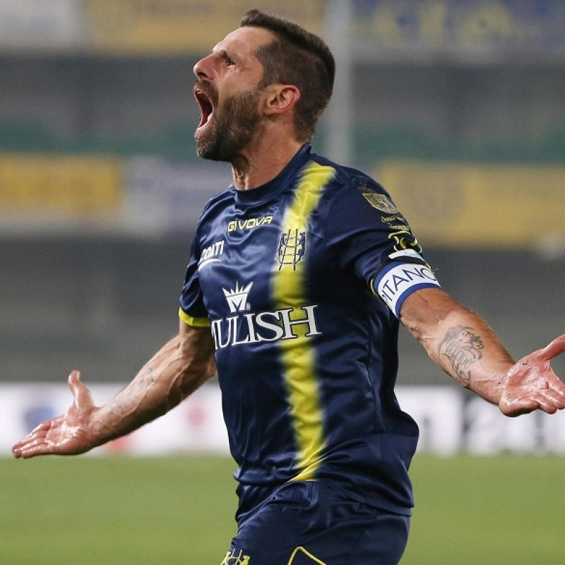 Pellissier's Worn Shirt with Special UNICEF Patch, Chievo-Lazio 2018
