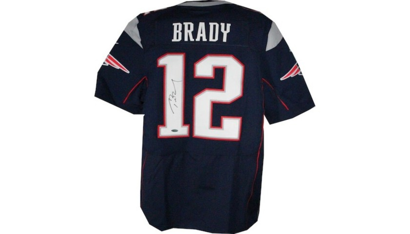 free shipping 97d7a 9a111 New England Patriots' Tom Brady Autographed Jersey - CharityStars