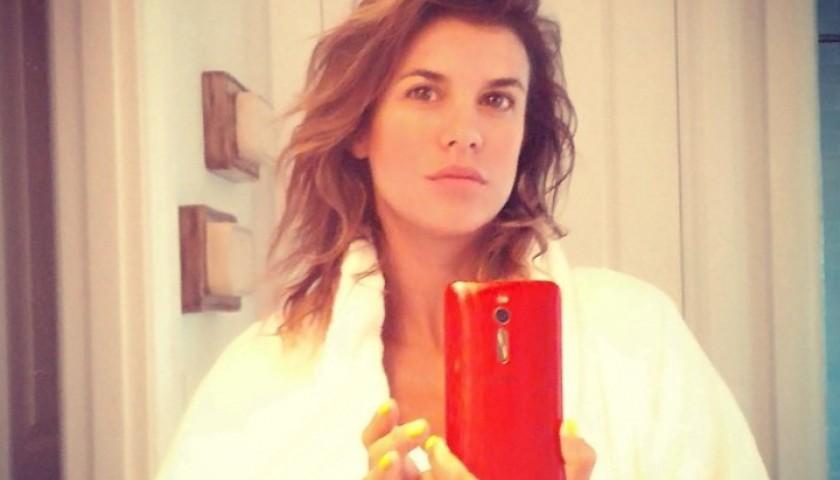 Smartphone ASUS di Elisabetta Canalis, contenuti video e audio inediti