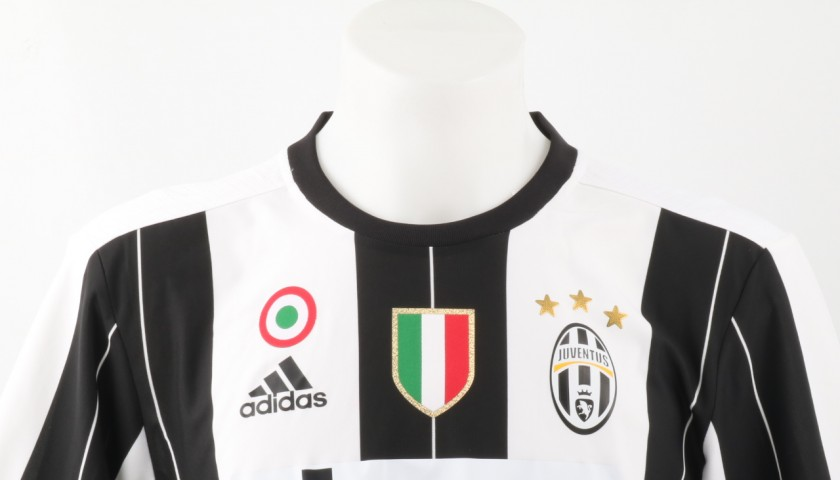 buy popular e80e6 2610e Official Squad Juventus Kit, 2016/17 - Shirt signed by Higuain -  CharityStars