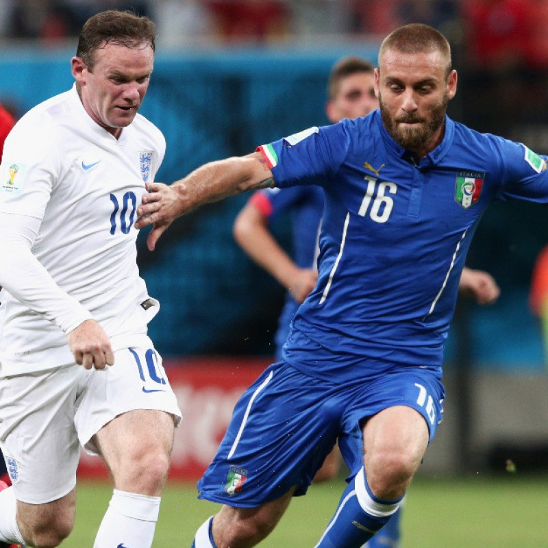 De Rossi's Italy Issued Shirt, 2014 World Cup