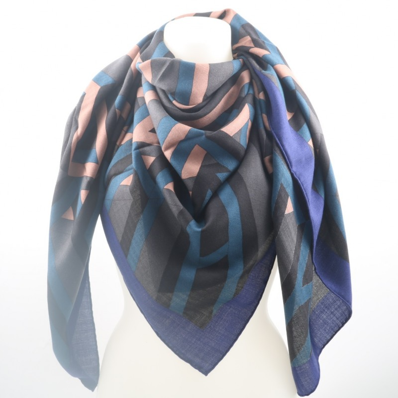 Win an exclusive Silk and Cashmere Foulard by Hermès