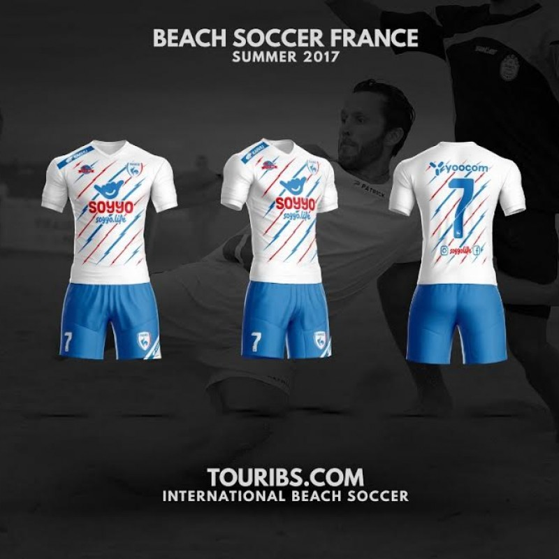 Play the Beach Soccer 4 Nations with the French Team