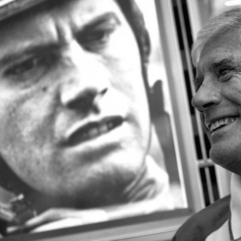The Legend Giacomo Agostini gives you the signed MV Agusta F4 fairing