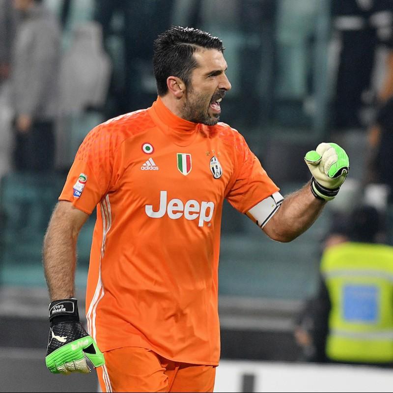 Official Buffon Juventus 2016/17 Shirt - Signed