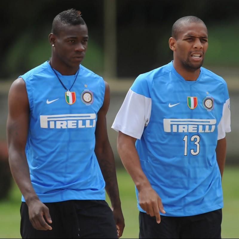 Maicon's Signed and Worn Inter Training Sweatshirt, 2009/10