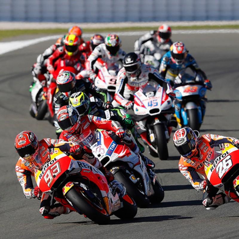 Tickets to the MotoGP™ Podium Ceremonies in Valencia With 2 MotoGP™ Paddock Passes
