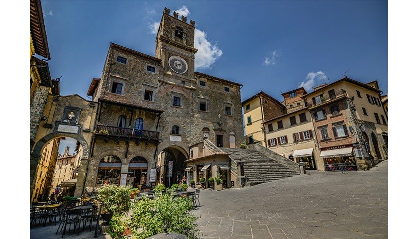 Three Nights in Tuscany for Four, with a Private Tour of Cortona and Wine Tasting