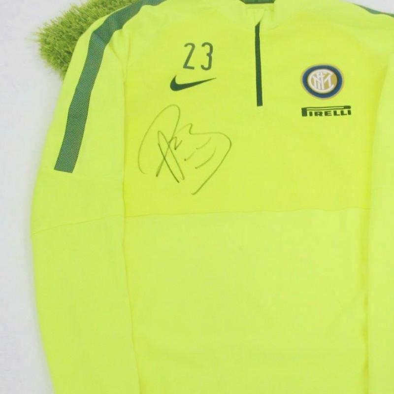 Inter training sweatshirt worn by Andrea Ranocchia - signed