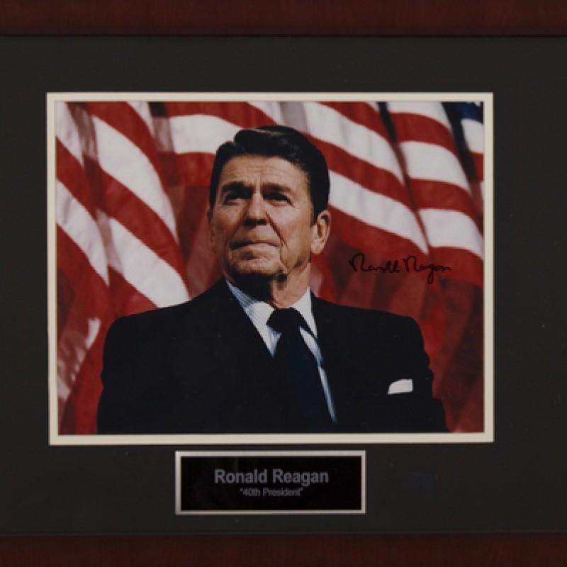 Fotografia autografata dal presidente Ronald Reagan