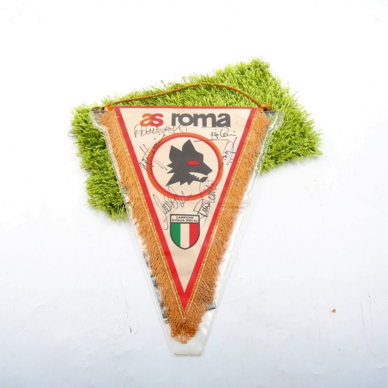 AS Roma 82/83 pennant, signed by the players