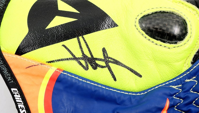 Dainese Replica Gloves Signed by Valentino Rossi
