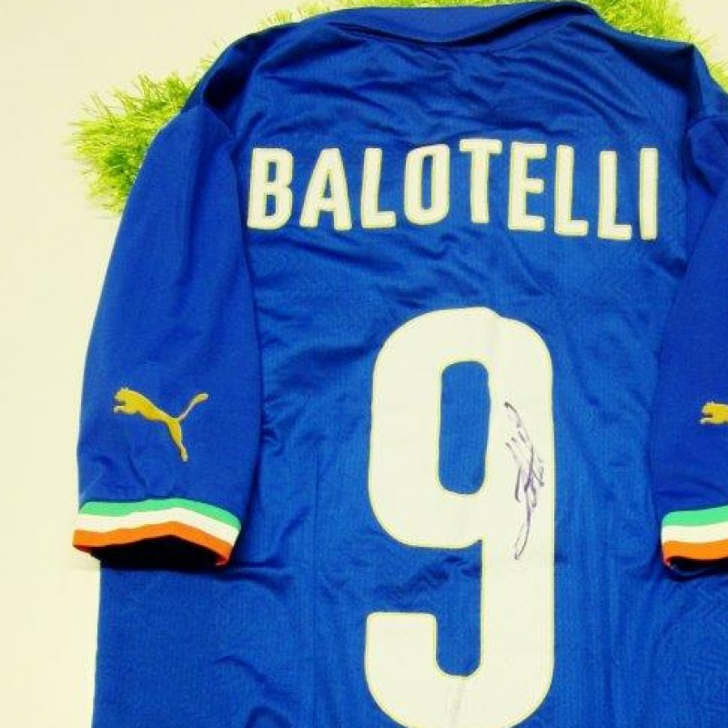 Balotelli Italy official authentic shirt signed, Brazil 2014 - #celebriamolamaglia #vivoazzurro