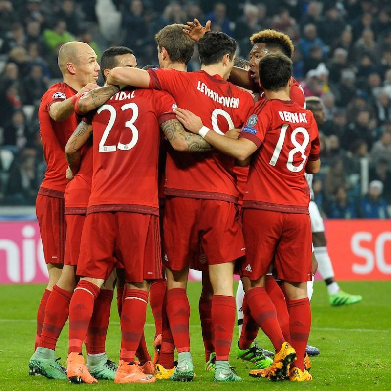 Bayern Munich Official Signed Shirt, 2015/16