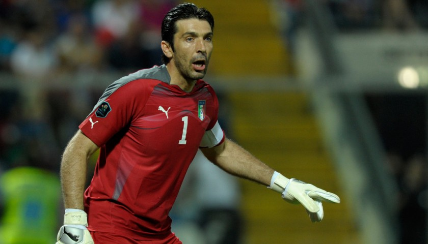 quality design 807d1 17de5 Buffon's Signed Match-Issued Italy Shirt, 2010 World Cup - CharityStars