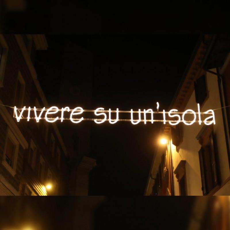 """""""Vivere su un'isola""""  - Streetlight by Ayrton Senna"""