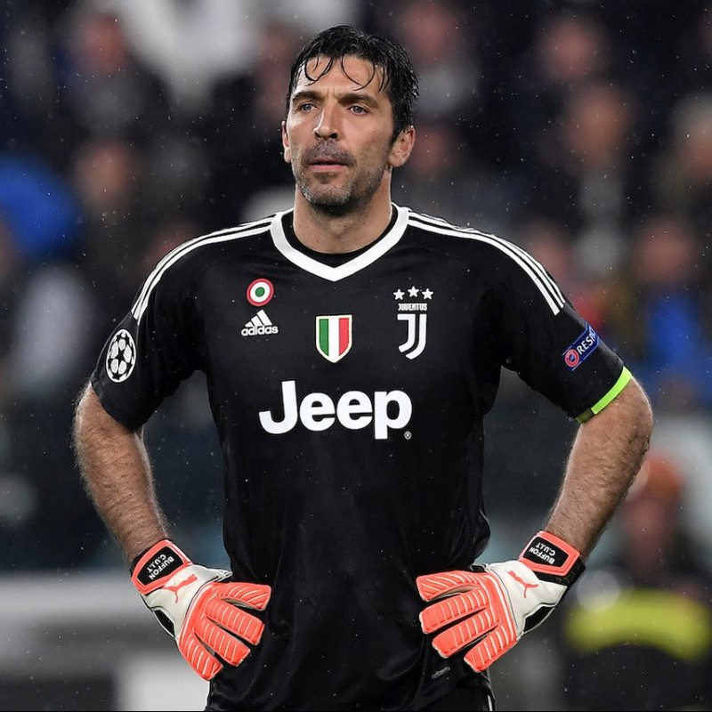 Gigi Buffon's Match-Issue Puma Gloves, 2017/18 Season