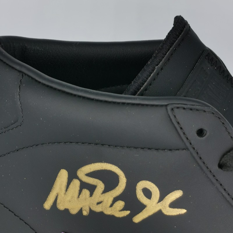 Converse Signed by Magic Johnson Los Angeles Lakers