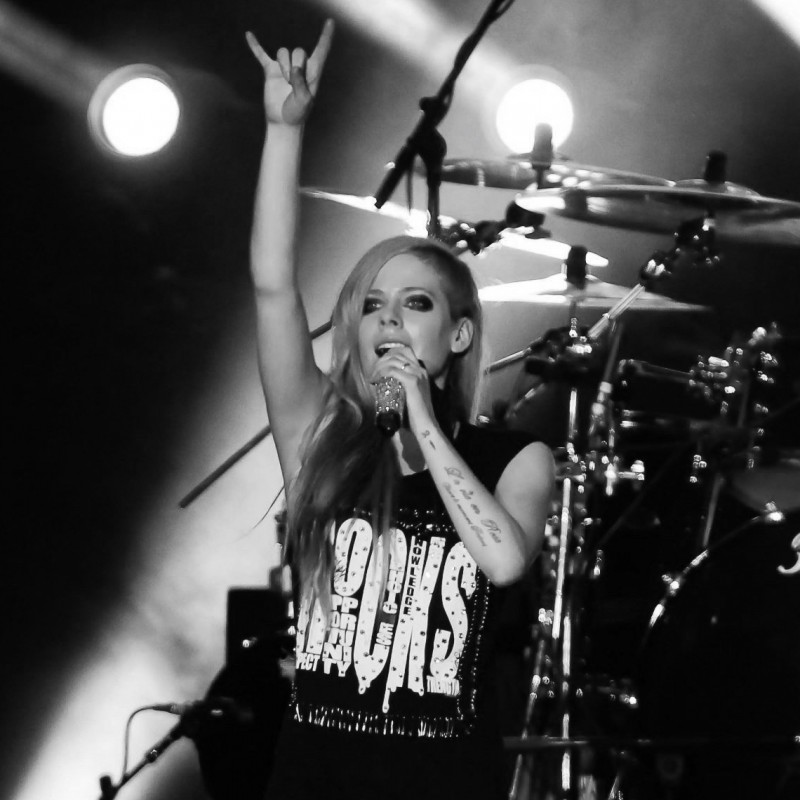 Early Access VIP Tickets for Avril Lavigne in Milan, Italy March 16