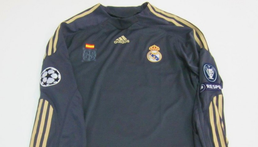 timeless design 2858b 89c53 Cristiano Ronaldo Real Madrid issued/worn shirt, Spanish Liga 2009/2010 -  CharityStars