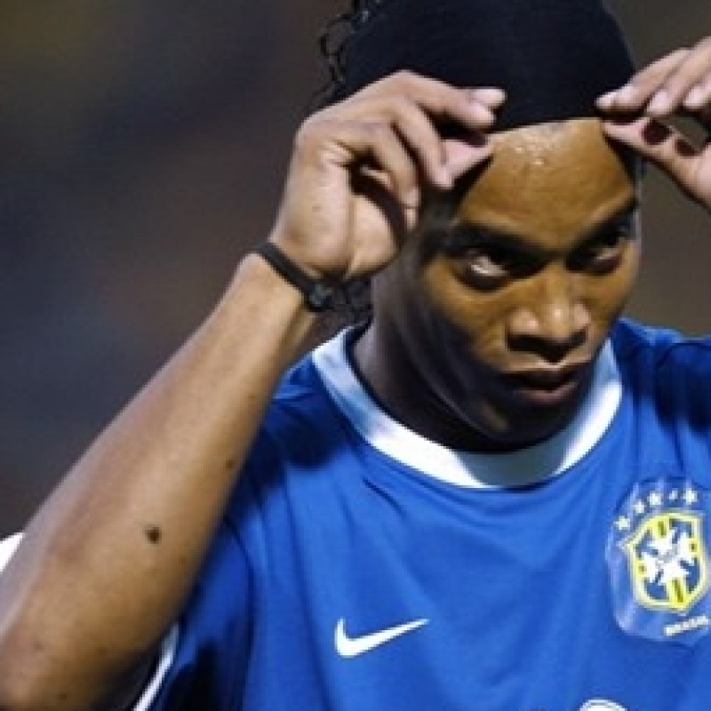 Ronaldinho match issued/worn shirt, Brazil, WorldCup Qualifiers 2010
