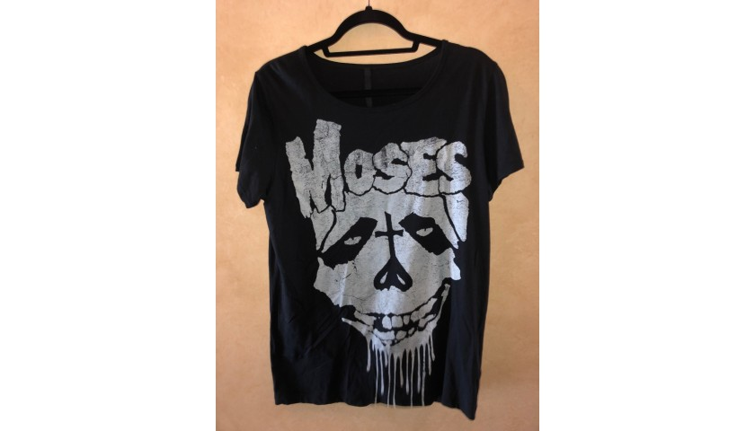 Avril's 'Moses' T-shirt